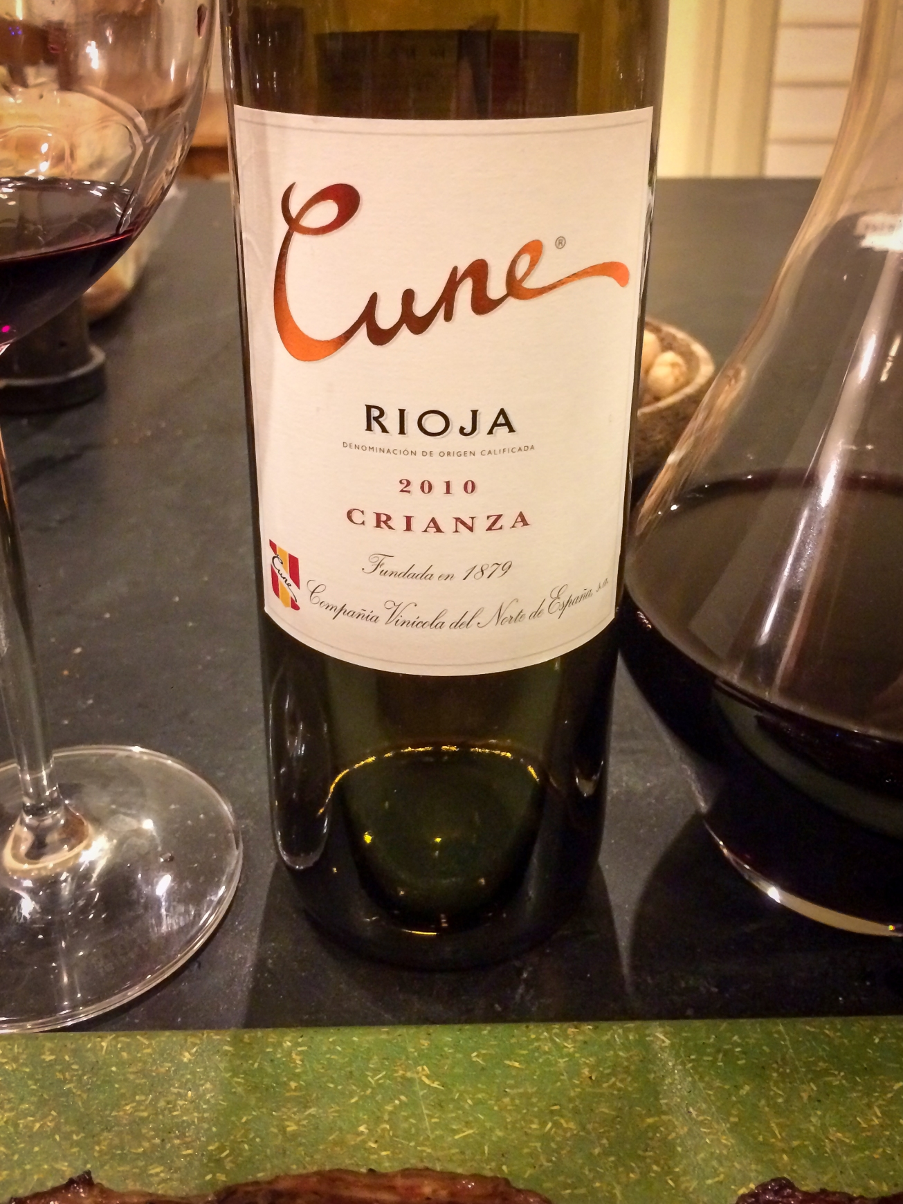 2010 C.V.N.E. (Compañía Vinícola del Norte de España) Rioja Cune Crianza