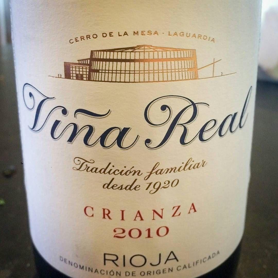 2010 C.V.N.E. (Compañía Vinícola del Norte de España) Rioja Viña Real Crianza